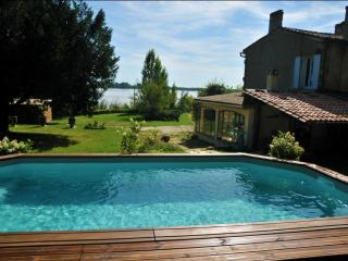 House for 6, 800sqm garden with pool - Bayon-sur-Gironde vacation rentals