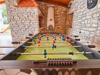 Nice 2 bedroom Villa in Manjadvorci - Manjadvorci vacation rentals