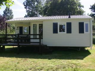 Cozy 2 bedroom Reguiny Caravan/mobile home with Internet Access - Reguiny vacation rentals