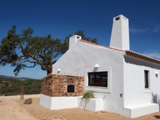2 bedroom Farmhouse Barn with Internet Access in Cercal do Alentejo - Cercal do Alentejo vacation rentals