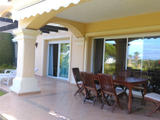 Conveniently Located 2 Bed in Hacienda Elviria - Elviria vacation rentals