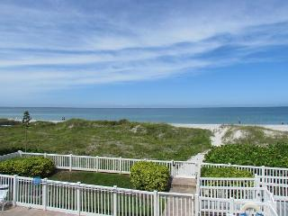 2 Bedroom directly overlooking the Gulf available for a beautiful May Vaca! - Indian Rocks Beach vacation rentals