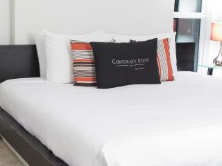 Oak Apartment   Ottawa - Ottawa vacation rentals