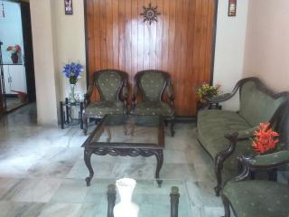 2 bedroom Bungalow with A/C in Kolkata (Calcutta) - Kolkata (Calcutta) vacation rentals