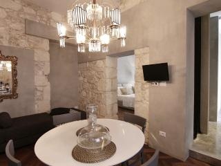 San Tommaso-Ortigia centre-stylish- optical fiber - Syracuse vacation rentals