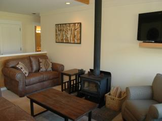 Nice House with Deck and Internet Access - Black Butte Ranch vacation rentals
