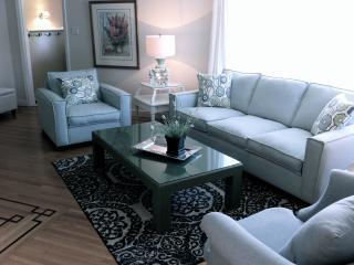 Vimy Cottage, steps from the beach, private pool - Kelowna vacation rentals