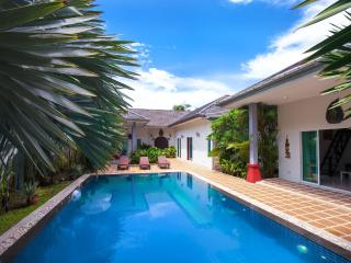 Luxury Huge 3 bed Villa + Private Bungalow NaiHarn - Nai Harn vacation rentals