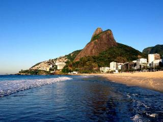RIO DE JANEIRO - LEBLON BEACH - GOOD FOR 3 PEOPLE - Rio de Janeiro vacation rentals