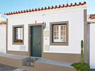 Cozy Townhouse with Internet Access and A/C - Reguengos de Monsaraz vacation rentals