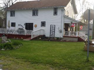 Nice House with Deck and Internet Access - Crystal Beach vacation rentals
