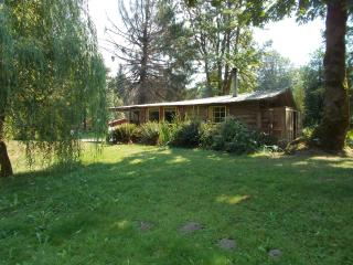Nice Cabin with Porch and Linens Provided - Deming vacation rentals