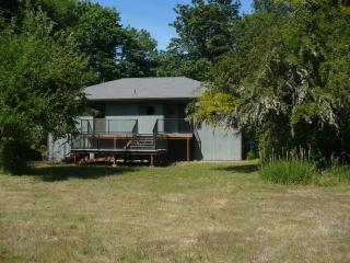 3 bedroom House with Deck in Gales Creek - Gales Creek vacation rentals