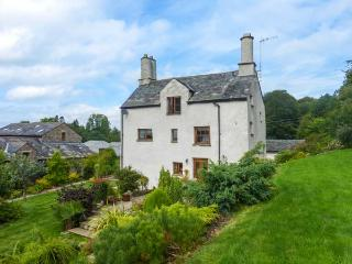 BIRK HAGG FARM, over three floors, en-suites, woodburner, parking, garden, in Kendal, Ref 928147 - Kendal vacation rentals