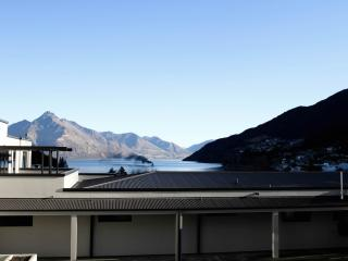 The Glebe Queenstown - 3 BR Apartment Lake View -3 - Queenstown vacation rentals