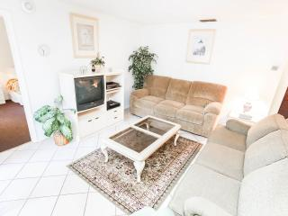 2 Bedroom Condo with Tennis Court, in Kissimmee - Kissimmee vacation rentals