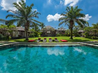 Beach, Canggu club in 5 mnt. 1 acre Villa The Beji - Canggu vacation rentals