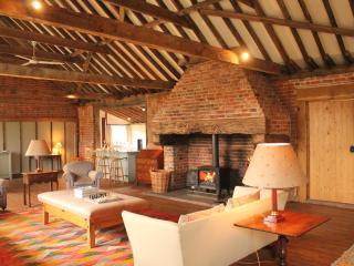 Court Barn at Shelley Priory Farm - Hadleigh vacation rentals