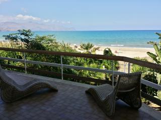 VILLA ORSOLINA - on the beach - Alcamo vacation rentals