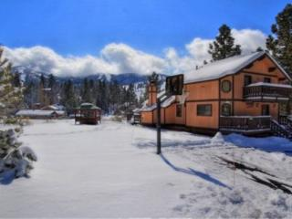 Clyde`s Chalet: Spa, Pool Table, Ski Resort Views - City of Big Bear Lake vacation rentals