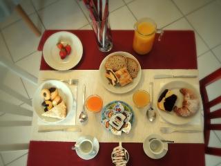 Bright 4 bedroom Bed and Breakfast in Capaccio - Capaccio vacation rentals