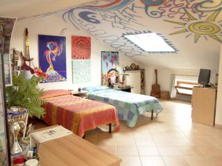 B&B Lucca. Room+bathroom, Station-center - Lucca vacation rentals