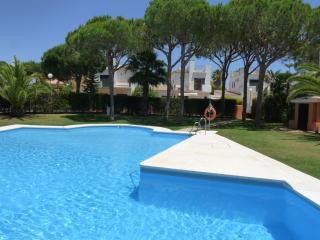 Nice Villa with Internet Access and Dishwasher - Novo Sancti Petri vacation rentals