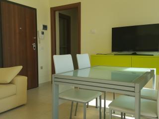 Appartamenti nuovi, veduta mare con posto macchina - Civitanova Marche vacation rentals
