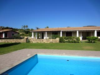 VILLETTA PISCINA 43 - Tertenia vacation rentals