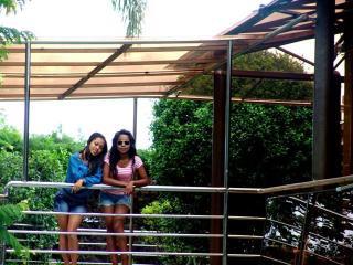 2p-Bungalow BLUME WiFi billard pool resto-terrasse - Antananarivo vacation rentals