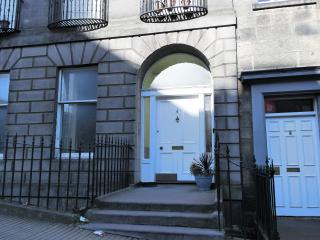 Very Central City Apartment Dublin Street : WiFi - Edinburgh vacation rentals