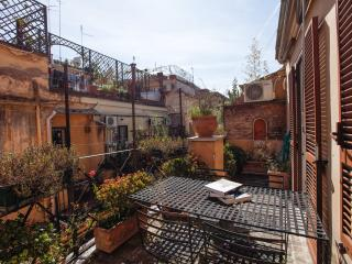 Pantheon dreamy attic - Rome vacation rentals