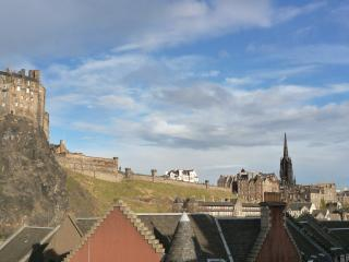 23 Cordinersland: Close to vibrant Grassmarket - Edinburgh vacation rentals