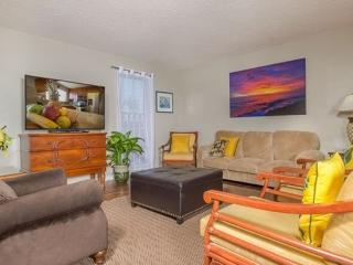 Island Escape - w/ BBQ, mountain views, near shops - Mililani vacation rentals