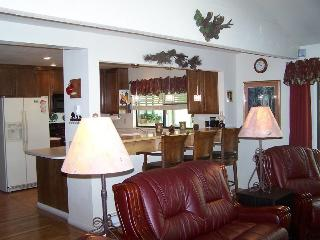 #8 ASPEN Recently upgraded! $215.00-$240.00 BASED ON DATES AND NUMBER OF - Plumas County vacation rentals