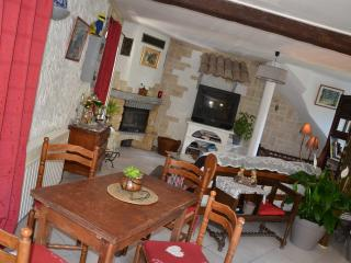 Cozy 1 bedroom Bairols Gite with Deck - Bairols vacation rentals