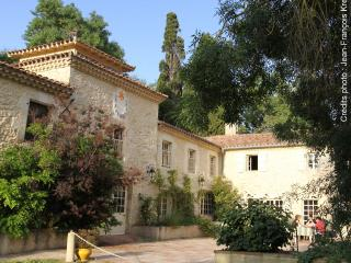 Nice 4 bedroom Nougaroulet Gite with Internet Access - Nougaroulet vacation rentals