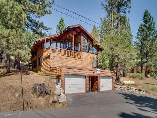 4BR home for 8 w/wood sauna;fireplace; walk to ski lifts - Alpine Meadows vacation rentals
