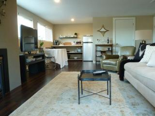 White Orchid Spacious Modern Private Retreat - Bellingham vacation rentals