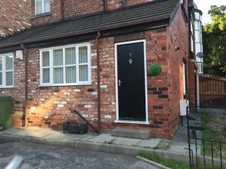 2 Bedroom Apartment in Orrell Park Liverpool - Liverpool vacation rentals
