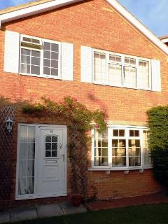 Cosy and comfortable detached House - Greasby vacation rentals