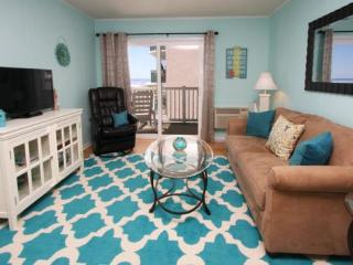2/2 Bright & Beachy and Just Renovated - Looks Down the Beach and at the Ocean. - Myrtle Beach vacation rentals
