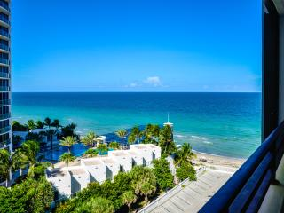 2BDR 3505 S Ocean Drive 9th floor - Hollywood vacation rentals