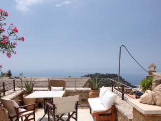 Beautiful 2 bedroom House in Anatoli with Internet Access - Anatoli vacation rentals