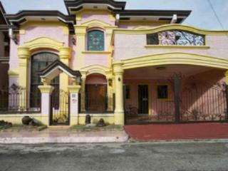 spacious house - Las Pinas vacation rentals