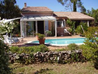 2 bedroom Villa with Internet Access in Gareoult - Gareoult vacation rentals