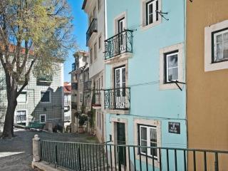 ESTEVAO I - Alfama for 4 ! - Lisbon vacation rentals