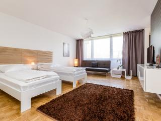 Holiday Apartment Cologne Nippes/Niehl G45 - Cologne vacation rentals