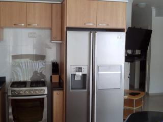 Luxury Salinas Beach Apartment - Phoenix 3B - Salinas vacation rentals