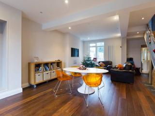 Large Victorian house London Zone 4 - Richmond vacation rentals